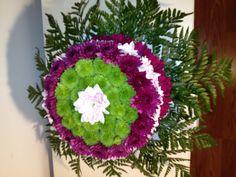 A floral cake by Lilia Basulto