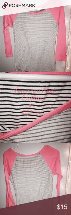 American Eagle mid sleeve top. Size S American Eagle striped top. Light weight, great condition. Size S American Eagle Outfitters Tops Blouses