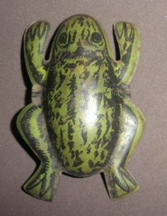 1920's Vintage litho tin ACTION MAGIC JUMPING FROG rare toy from Germany