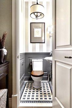 Dark gray painted on bathroom wainscoting – - Modern Modern Small Bathrooms, Beautiful Bathrooms, Half Bathrooms, Best Bathroom Designs, Bathroom Interior Design, Tuscan Bathroom, Masculine Bathroom, Wainscoting Bathroom, Painted Wainscoting