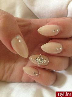 37 Beautiful Wedding Beige Nail Art | Best Pic