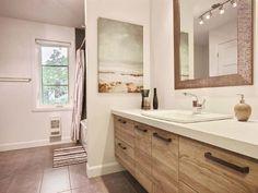 Maison à étages - Via Capitale Double Vanity, Mirror, Bathroom, Furniture, Home Decor, Real Estate Broker, Bath, Washroom, Decoration Home