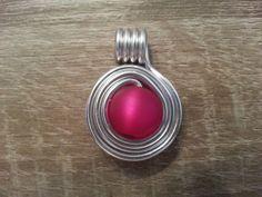 Schmuckanhänger - Schicker Anhänger aus Aludraht mit roter Perle - ein…