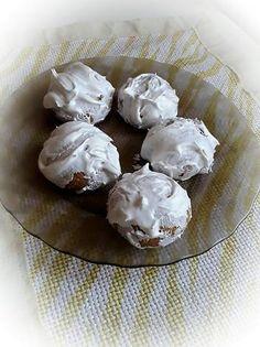 Hamis mézes puszedli Napkin Rings, Muffin, Napkins, Caramel, Towels, Dinner Napkins, Muffins, Cupcakes, Napkin Holders