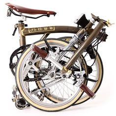 Brompton Barcelona — #brompton My brompton… by love_brompton... Buy Bike, Bike Run, Tricycle, Bicicleta Brompton, Velo Vintage, Specialized Bikes, Folding Bicycle, Road Bike Women, Bicycle Maintenance