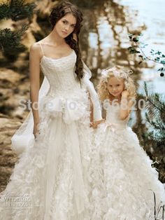 Find More Vestidos de noiva Information about 2014 2 peças / Ruffled longo vestido de casamento branco e vestido de flores de moda mãe de família filha vestido de harmonização do casamento,High Quality dress autumn wedding,China wedding dresses juniors Suppliers, Cheap wedding presents for parents from Sao Tome Garments Co., Ltd. on Aliexpress.com