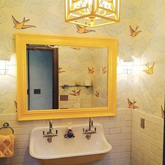 If you have a small bathroom in your home, don't be confuse to change to make it look larger. Not only small bathroom, but also the largest bathrooms have their problems and design flaws. Yellow Bathroom Decor, Yellow Bathrooms, Vintage Bathrooms, Bathroom Wall Decor, Dream Bathrooms, Bathroom Interior, Master Bathroom, Bathroom Ideas, Bathroom Rack