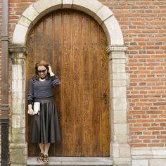 Mix de estampas + saia godê = ❤    #RepúblicaDasSaias #Fashion #Style #Woman #Beleza #Mulher #Estilo #Feminices #Saias #Skirts #Godê #Door #MixEstampas #Animalprint #Oncinha #MulheresReais