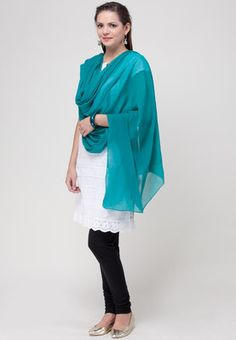 A blue coloured dupatta for women by Aurelia. It is made from 100 % cotton. Carry this fabulous blue dupatta with your favourite kurti and leave a fashion trail for others to follow. Made from cotton, this dupatta is simple yet very classy.