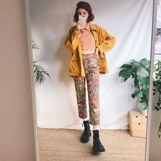 9764fd1d44 Beautiful vintage high waisted trousers