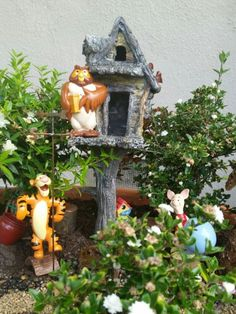 1000 images about fairy gardens on pinterest hobbit garden fairies garden and fairy houses. Black Bedroom Furniture Sets. Home Design Ideas