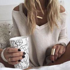 Nie ma to jak gorąca herbata i ciepły sweter ❤️☕️