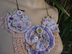 collier plastron art textile
