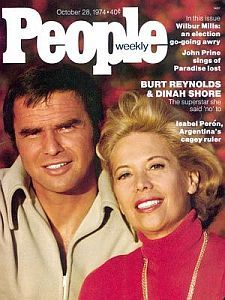 In the a lot was made of the age difference between Dinah Shore and Burt Reynolds. Dinah was 20 years his senior. People Magazine, Life Magazine, John Prine, An Affair To Remember, Burt Reynolds, Old Magazines, Vintage Magazines, Vintage Ads, Famous Couples