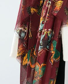 ZARA - WOMAN - BUTTERFLY SCARF