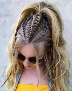 Learn all styles of this cool hair! Who would say no to a practical and cool hair style, half braided? Half-braided hairstyles have often appeared recently. In this case,. Half Braided Hairstyles, Box Braids Hairstyles, Loose Hairstyles, Girl Hairstyles, Cool Hairstyles For Girls, Bohemian Hairstyles, Cool Braids, Braids For Long Hair, Tight Braids