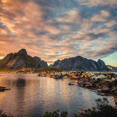 En Reine, Islas Lofoten, te quedarás sin palabras y con ganas de quedarte a…