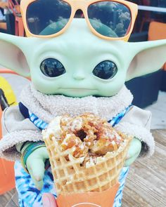 Yoda Pictures, Yoda Images, Star Wars Pictures, Star Wars Comics, Star Wars Humor, Lego Star Wars, Baby Animals Super Cute, Cute Little Animals, Pusheen Cute
