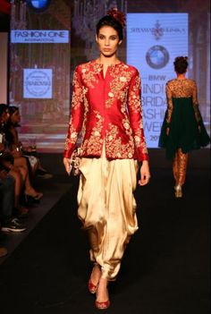 Z Fashion Trend: RED GOLDEN INDO WESTERN STYLE PARTY WEAR DRESS