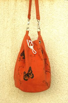 Summer vegan cotton orange hand painted shoulder bag by AtelierGOBI on Etsy Unique Bags, Bucket Bag, Hand Painted, Shoulder Bag, Vegan, Orange, Trending Outfits, Unique Jewelry, Handmade Gifts