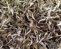 Ama Dablam (Nepal) Naturally dried leaves, fired and cured for a month. this automnal teahas a pale green liquor, mild floral aroma and a sweet finish.