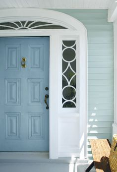 Color A (Door): Van Courtland Blue Regal Select High Build, Low Lustre. Color B (Siding): Wedgewood Gray Regal Select Revive. Color C (Trim): Simply White Regal Select High Build, Soft Gloss. Best House Paint Colors, Door Paint Colors, Exterior Paint Colors For House, Outside House Paint Colors, Siding Colors For Houses, Color Walls, Exterior Colors, Exterior Design, Painted Exterior Doors