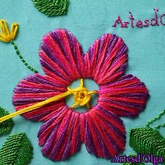 Cómo Bordar Flor Multicolor In this tutorial I show you how to embroider a multicolored flower. Diy Embroidery Patterns, Basic Embroidery Stitches, Hand Embroidery Videos, Embroidery Stitches Tutorial, Embroidery Flowers Pattern, Creative Embroidery, Simple Embroidery, Learn Embroidery, Embroidery Kits