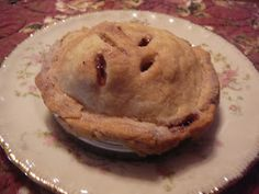 The Hidden Pantry: Tiny Apple Pie Made in a Wide Mouth Ball Mason Jar Lid and More......