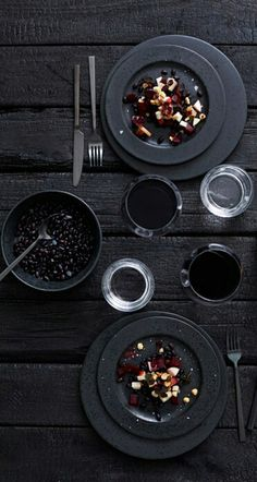 Black dinnerware by Bitz
