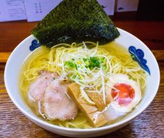 If you were asked about Kyoto's cuisine culture, most of what would come to your mind would be things like the foods (e.g. kaiseki) and sweets (e.g., wagashi) of traditional Japan. However, there's a lot of delicious ramen in Kyoto, capital of the west, and among the ramen here it's the rich type that's popular. This time around, we'll introduce 5 shops in the city, carefully selected from many, that we definitely want you to try if you visit Kyoto. ※The price of all ramen is under 1,000JPY…