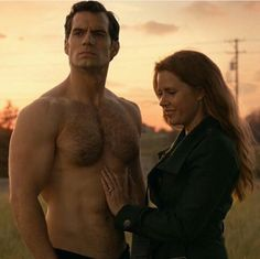 Henry Cavill and a lucky Amy Adams damn she gets to feel that for real while were all reduced to just looking and drooling lol. Superman Henry Cavill, Superman Man Of Steel, Superman Art, Lois Lane, Logan Lerman, Dc Movies, Hairy Chest, Amy Adams, Amanda Seyfried