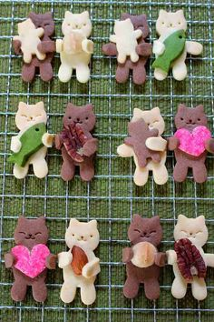 Cute Food, Yummy Food, Cat Cookies, Cat Cafe, Cute Desserts, Biscotti, Cookie Decorating, Gingerbread Cookies, Decorative Items