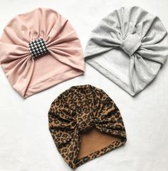 Best 12 Cute cotton turban hat is made from cotton-rich fabric The fabric is thick enough to wear it at cold spring days during long promenades. Turbans are made of a stretchy fabric so they are easy and comfortable to wear. Turban hats are availabl Shabby Chic Headbands, Diy Baby Headbands, Baby Bows, Baby Girl Hats, Wrap Newborn, Baby Newborn, Ruffle Bloomers, Chiffon Ruffle, Turban Headband Tutorial