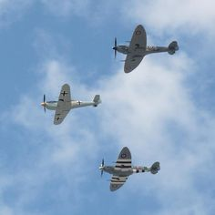 World War 2 fighter planes    Messerschmitt Me-109 escorted by two Supermarine Spitfires
