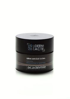 TRAITEMENT SPÉCIFIQUE La Crème Anti-Âge Global Derm Acte relance les fonctions vitales de la peau et agit globalement pour défier les signes du temps.