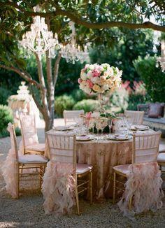 Una forma de lucir la silla tiffany, romántica y elegante a la vez