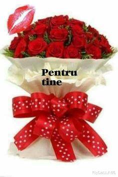 Christmas Wreaths, Strawberry, Happy Birthday, Romantic, Fruit, Holiday Decor, Home Decor, Quotes, Buen Dia