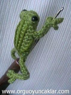 Amigurumi  08 inc  Miniature Crochet Hook Frog Pattern by Denizmum, $8.50