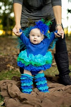 Peacock costume, would be cute for Lauren :) Baby Girl Halloween, First Halloween, Baby Halloween Costumes, Baby Costumes, Holidays Halloween, Halloween Crafts, Happy Halloween, Baby Kostüm, My Baby Girl
