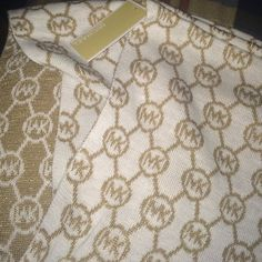 Michael Kors Infinite Loop White/Gold Scarf Got as a gift, not really my style. Brand new with tags! Michael Kors Accessories Scarves & Wraps