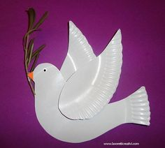 Easy Dove Craft from Paper Plates. Peace. Noah's ark. Sunday School Craft. from Lavoretti Creativi.
