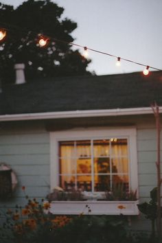 Summer evening, almost time for dinner. {This makes my heart ache for summer and warmer weather.}