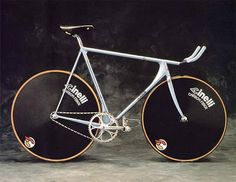 Cinelli Laser: One of the most beautiful bicycles ever built. This is the pursuit track bike version. Fixed Gear Bikes, Fixed Bike, Track Cycling, Cycling Bikes, Bmx Bikes, Velo Vintage, Vintage Bicycles, Cool Bicycles, Cool Bikes