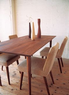 TRUCK|26. LATHED-LEG TABLE