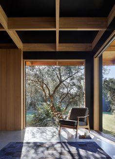 Gallery of Dark Light House / MRTN Architects - 4