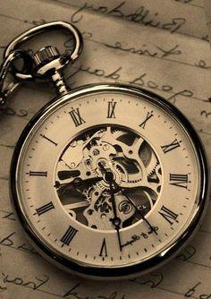 22140e1f39f 20 melhores imagens de Tatuagens de relógio de bolso