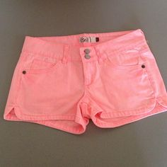 NWT coral shorts 100% cotton. So bright and will make your tan POP like crazy.  Kohl's Shorts