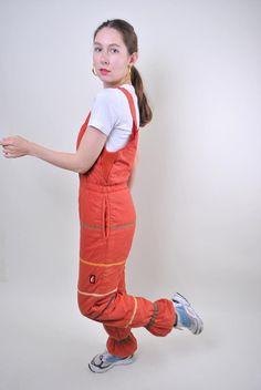 Ellesse orange suspenders ski suit, woman snow jumpsuit, Size M Welcome to TARASCOMMON.COM Unique clothing from the century. Model tall - Size: M. Ukraine, Browns Gifts, Snow Pants, Ellesse, Snow Suit, Models, Unique Outfits, Orange, Suspenders