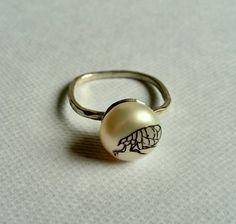 Flea Pearl Ring. Georgina Taylor