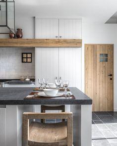 50 Best Small Kitchen Remodel Designs for Smart Space Management - Home & Garden Kitchen Buffet, Kitchen Decor, Kitchen Walls, Kitchen Wood, Decorating Kitchen, Kitchen White, Kitchen Cabinets, Decorating Ideas, Decor Ideas
